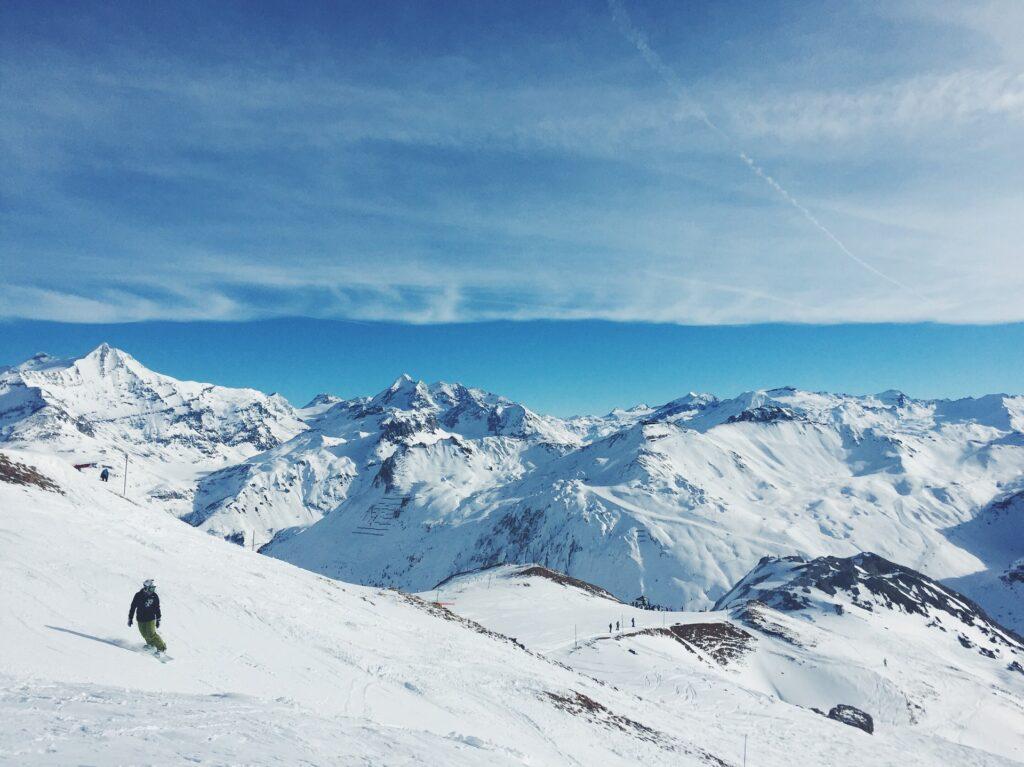 backcountry skiing solo